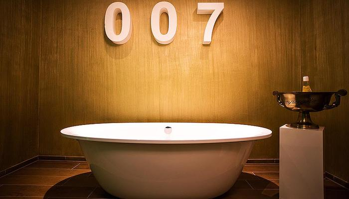 Bad in de themakamer James Bond
