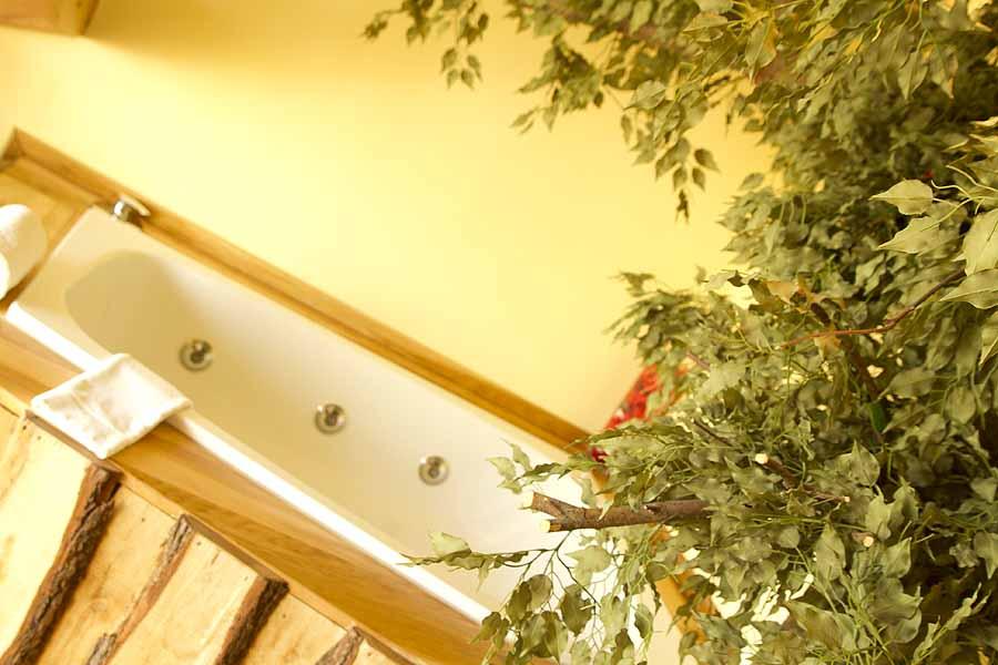 baumhaus suite beverland resort. Black Bedroom Furniture Sets. Home Design Ideas